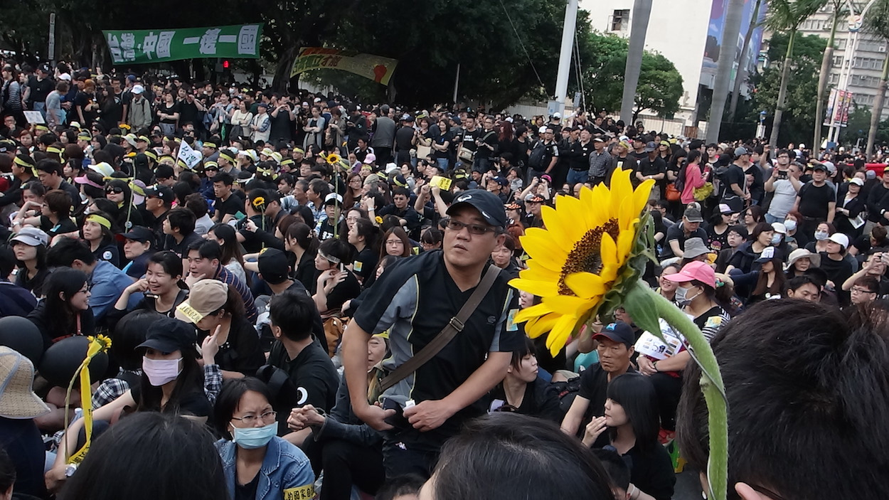 Blooming digital democracy in Taiwan's Sunflower movement - How technologists and activists are working together to mobilise a nation