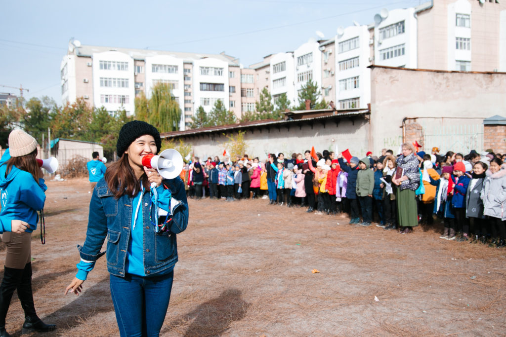 UNICEF Kyrgyzstan - Volunteers conducting disaster response and readiness trainings in schools and communities